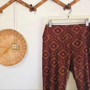 LuLaRoe One Size Leggings Red and Gold Pattern